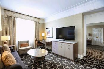 Junior Suite, 1 King Bed, Non Smoking (Recently Renovated)