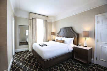 Deluxe Room, 1 King Bed, Non Smoking (Recently Renovated)