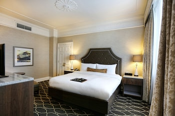 Signature Room, 1 King Bed, Accessible, Non Smoking (Recently Renovated)