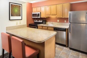 Guestroom at Residence Inn Orlando Altamonte Springs/Maitland in Altamonte Springs