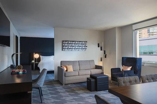 . Renaissance Des Moines Savery Hotel