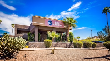 Best Western InnSuites Phoenix Hotel & Suites photo