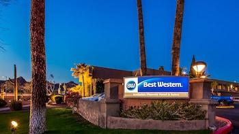 Exterior at Best Western InnSuites Phoenix Hotel & Suites in Phoenix