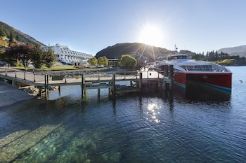 Crowne Plaza Hotel Queenstown - Featured Image