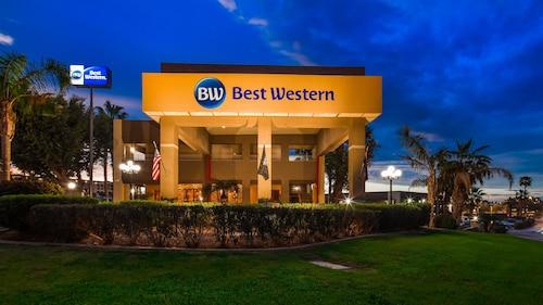 . Best Western Yuma Mall Hotel & Suites