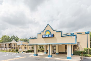 Hotel - Days Inn by Wyndham Camp Springs Andrews AFB
