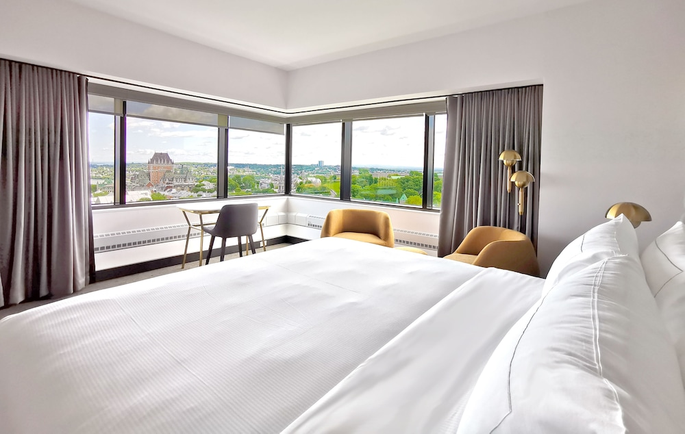 https://i.travelapi.com/hotels/1000000/20000/11000/10930/e25d07b9_z.jpg