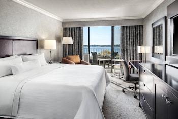 Room, 1 King Bed, Balcony, Lake View