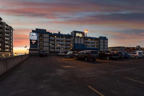 . Shilo Inn Suites Hotel - Seaside Oceanfront