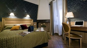 Club Double Room (with extra bed)