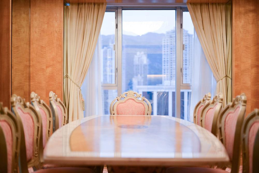 Royale Suite-Standard Chartered Promotion