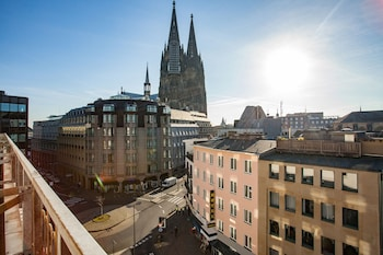 Hotels Near Cologne Christmas Market