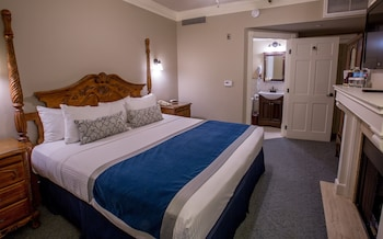 Traditional Room, 1 Queen Bed, Accessible, Fireplace