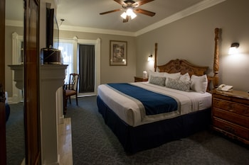 Traditional Room, 1 Queen Bed, Fireplace