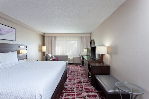 . Crowne Plaza Silicon Valley N - Union City