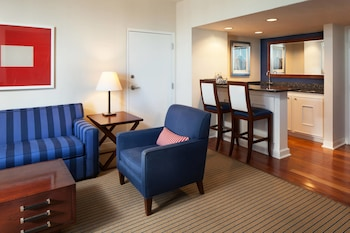 Junior Suite, Business Lounge Access, Marina View