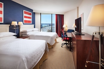 2 Double Beds, Marina Tower, Deluxe Guest Room