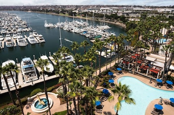 Room, 2 Double Beds, Balcony, Partial Water View, Marina Tower
