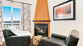 Deluxe Room, 2 Double Beds (Cityside)