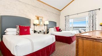 Deluxe Room, 2 Double Beds (Dockside)