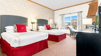 Premium Room, 1 King Bed (Waterfront)