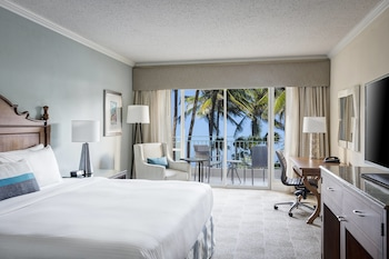 Room, 1 King Bed, Pool View (Cabana)