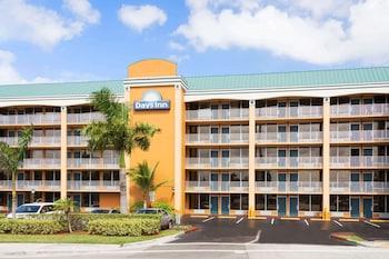羅德岱堡北奧克蘭公園機場溫德姆戴斯飯店 Days Inn by Wyndham Fort Lauderdale-Oakland Park Airport N