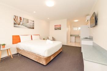 貝斯福林德斯汽車旅館 Bass & Flinders Motor Inn