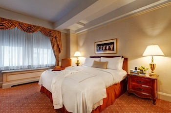 Deluxe Room, 1 King Bed