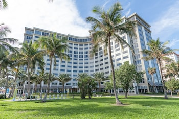 Book Sonesta Fort Lauderdale in Fort Lauderdale.