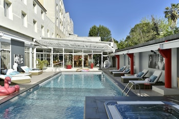 __{offers.Best_flights}__ Hôtel Arles Plaza