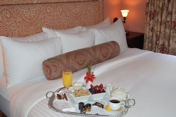 Deluxe Room (1 King Bed)