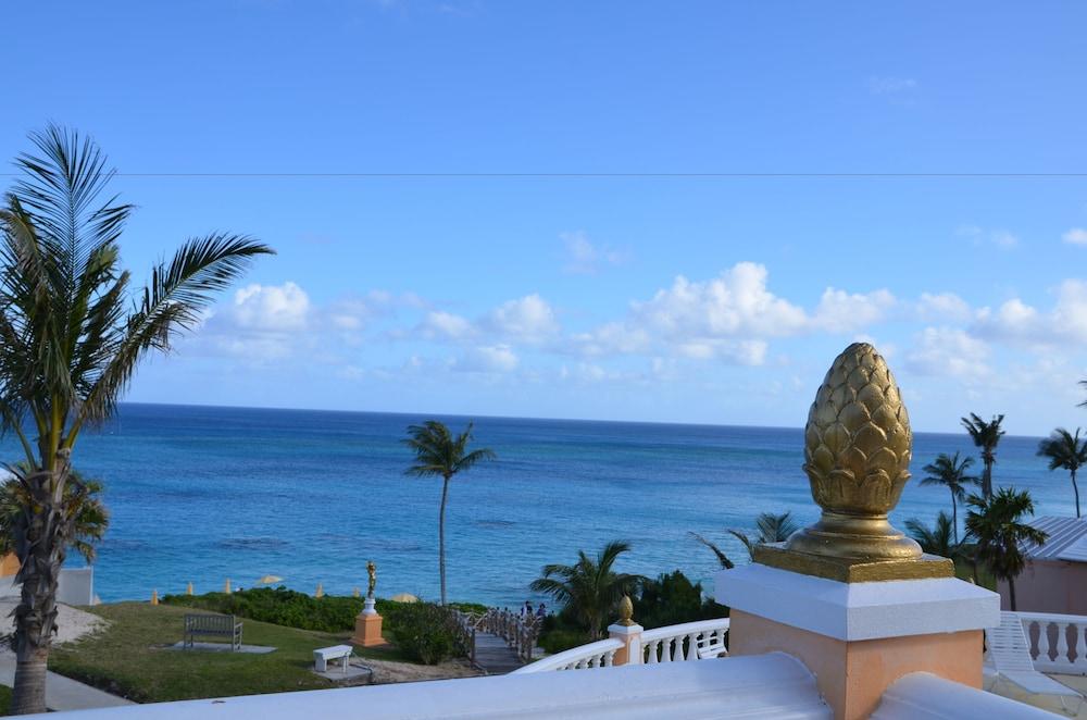 코코 리프 버뮤다(Coco Reef Bermuda) Hotel Image 34 - Terrace/Patio