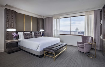 Deluxe Room, 1 King Bed (Capitol View)