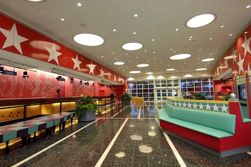 Disney's All-Star Music Resort image 5