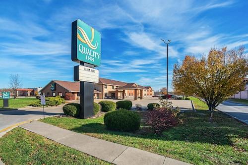 . Quality Inn Carbondale University area