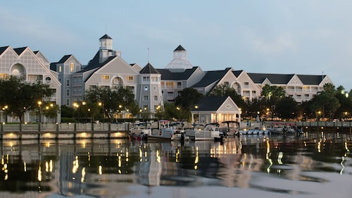 Disney's Yacht Club Resort image 33
