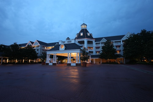 Disney's Yacht Club Resort image 28