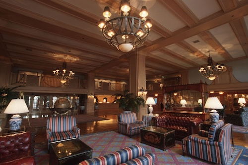 Disney's Yacht Club Resort image 6