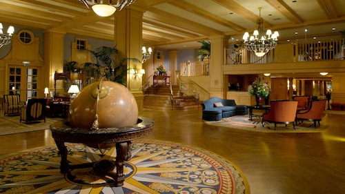 Disney's Yacht Club Resort image 5