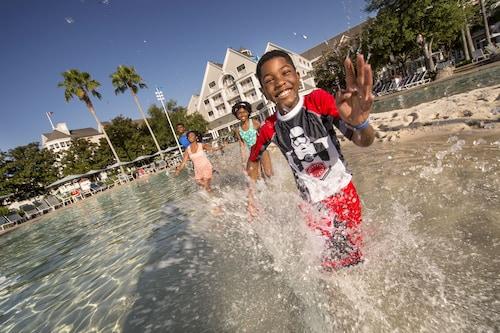 Disney's Yacht Club Resort image 23