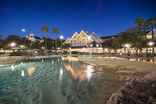 Disney's Yacht Club Resort image 22