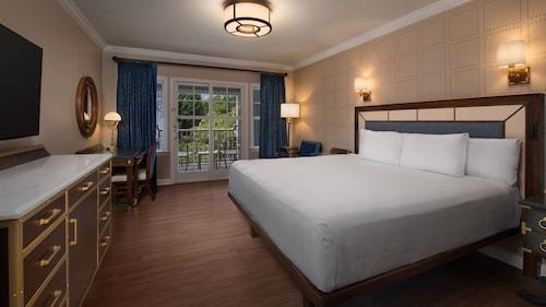 Disney's Yacht Club Resort image 34