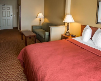 Joliet Vacations - Quality Inn & Suites South - Property Image 1