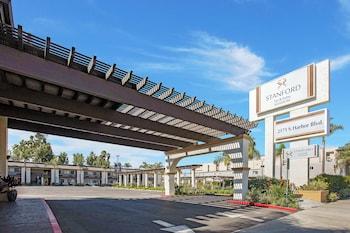 安納海姆斯坦福套房飯店 Stanford Inn & Suites Anaheim