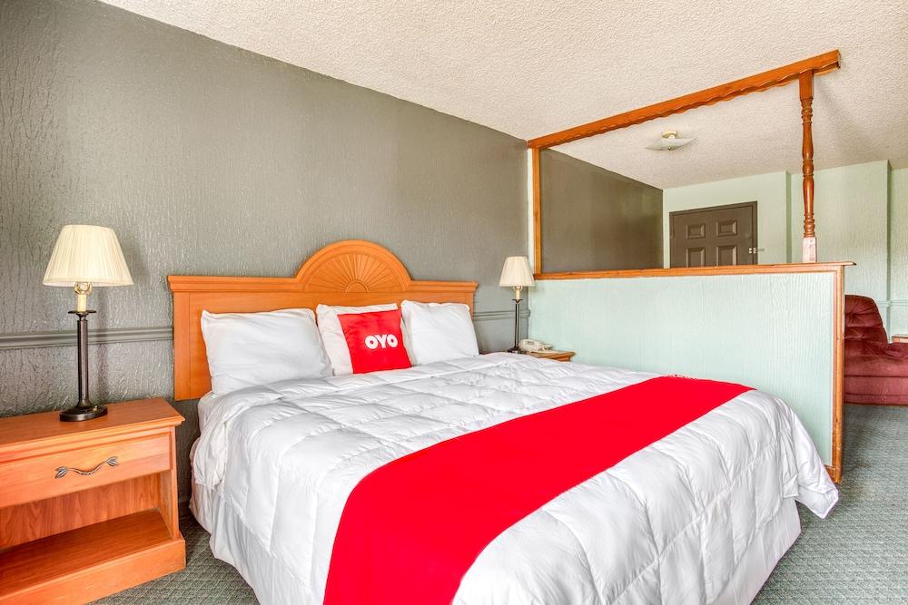 Premium Room, 1 King Bed, Smoking