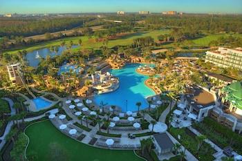 Guestroom at Orlando World Center Marriott in Orlando