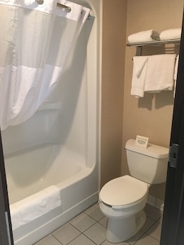 Comfort Inn - Port Huron - Bathroom  - #0