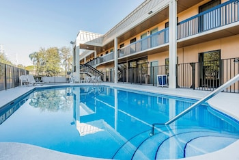 Vero Beach Vacations - Quality Inn Fort Pierce - Property Image 1