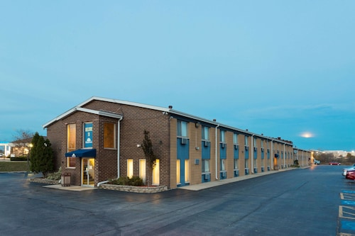 Days Inn by Wyndham Rockford, Winnebago